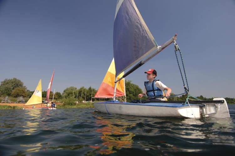 Learning to sail on the Broads